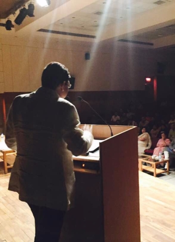 Irshad Kamil reciting his poetry